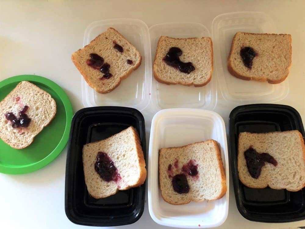 How to make lunch time easier - put jelly on bread