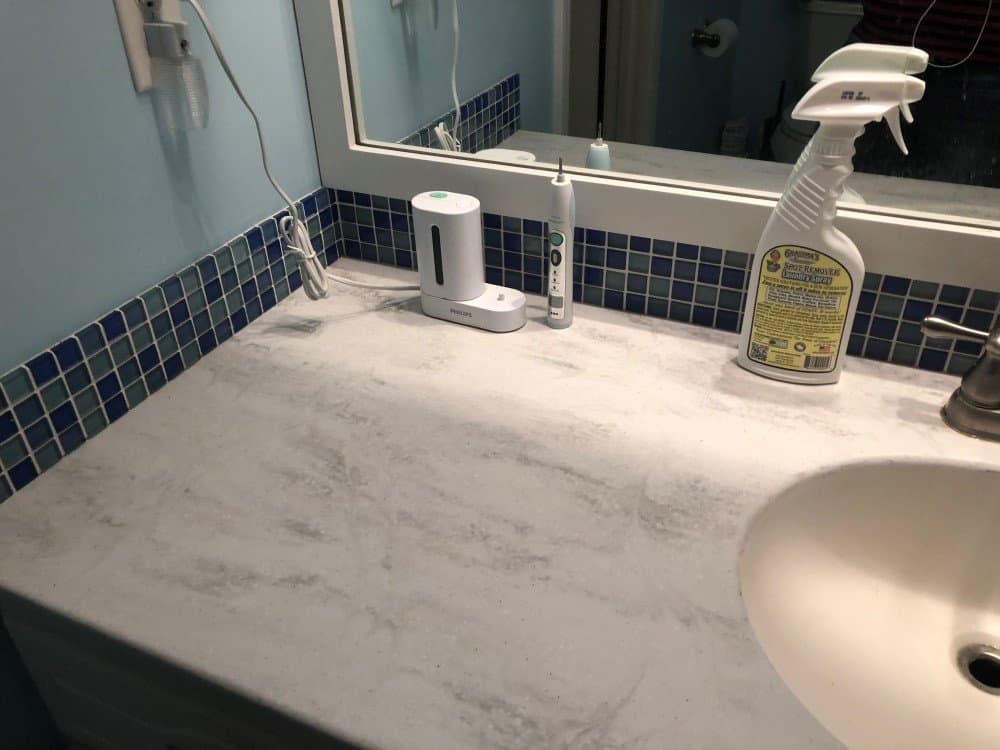 Declutter Your Bathroom in 15 Minute Chunks