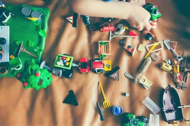Do your kids have too many toys? Here's 7 compelling reasons why you should purge toys. My favorite's #7.